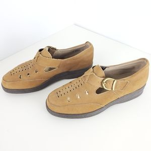 Natural Sport shoes size 6 beige